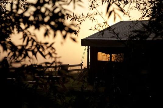 3-Un-lit-au-pre-Boerenbed-Lorraine-Noble-Tente