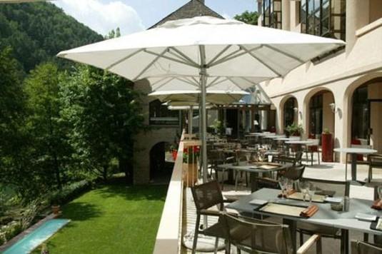 0-Hotel-de-la-muse-et-du-Rozier-met-uitzicht-op-de-Gorges-du-Tarn