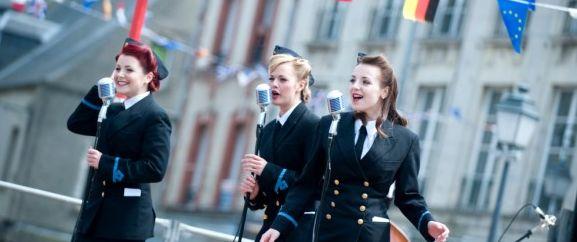 D-Day-Festival-70-jaar-landingsstranden-Normandie-zangeressen