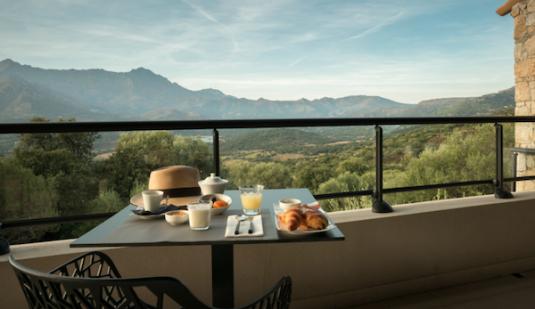 Uitzicht vanaf hotel A Piatatella