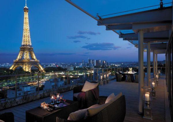 Hotel Shangri in Parijs, uitzicht op de Eiffeltoren