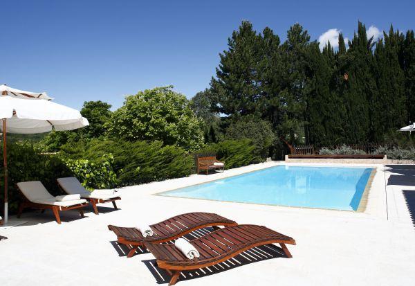 Zwembad van Bastide des Moustiers