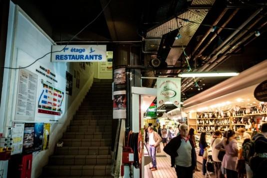 markt-victor-hugo-in-toulouse-restaurant-op-de-eerste-verdieping