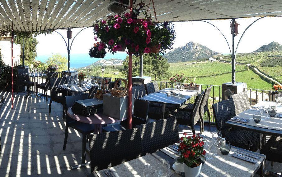 terras-restaurant-la-voute-in-saint-antonino