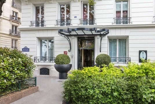 Hotel-la-demeure-parijs-facade