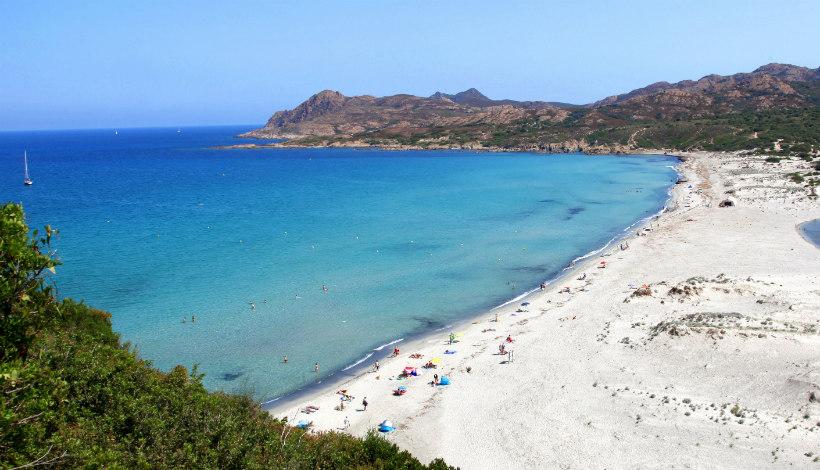 Strand in Corsica