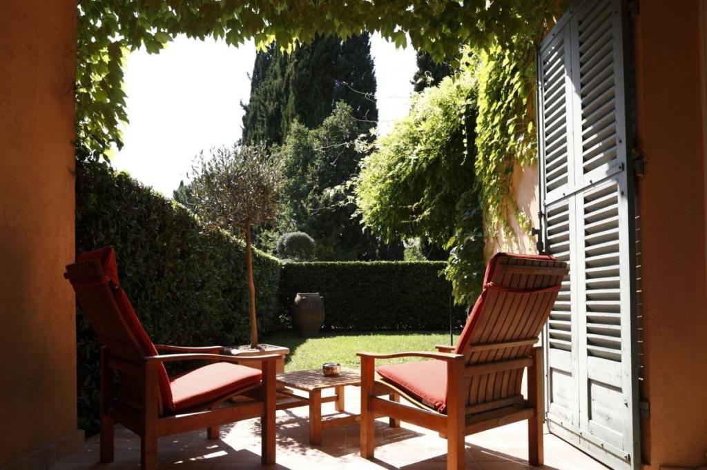 lauberge-de-la-celle-idylisch-kloosterhotel-in-de-provence-suite-met-privetuin