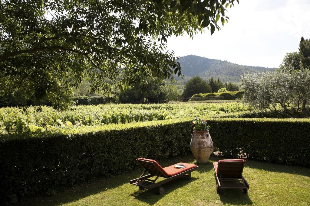 lauberge-de-la-celle-idylisch-kloosterhotel-in-de-provence-suite-met-privetuin2