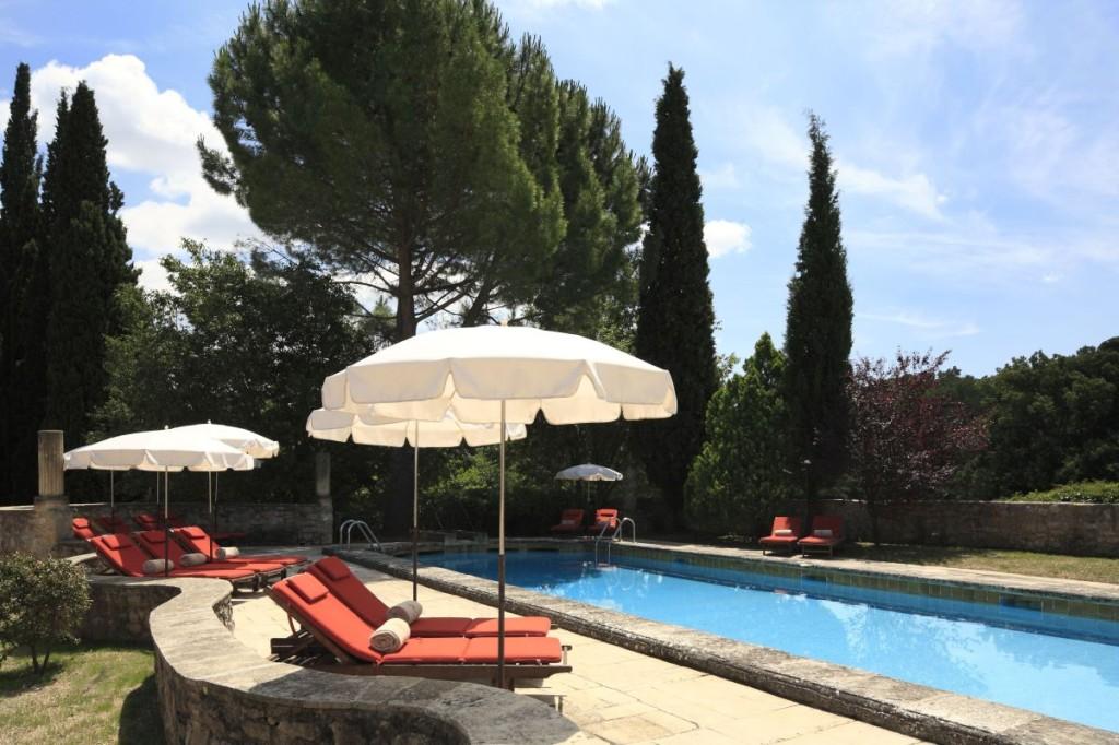 lauberge-de-la-celle-idylisch-kloosterhotel-in-de-provence-zwembad