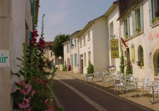 Mornac-sur-Seudre-Charente-Maritime-straatjes