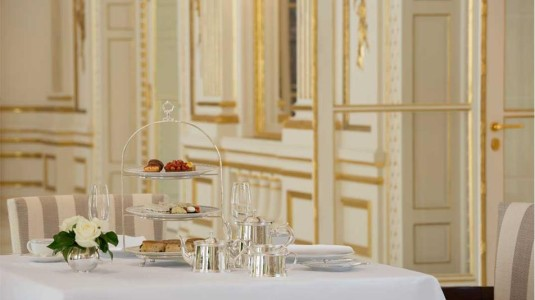 peninsula-luxe-hotel-parijs-lounge