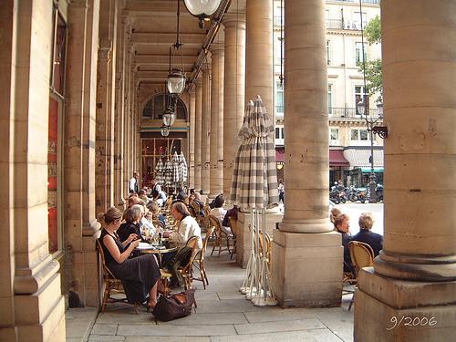 terrassen-in-parijs-le-nemours