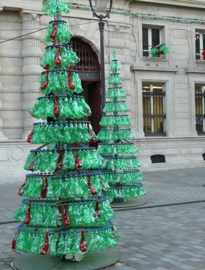 15 te gekke kerstbomen om zelf te maken - Deco bouteille plastique ...