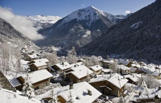 gezellige kleine dorpen bij grote skigebieden Champagny