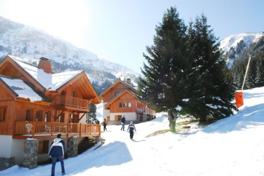 gezellige kleine dorpen bij grote skigebieden Oz-en-Oisans
