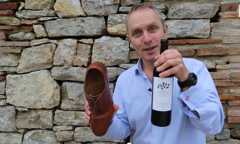 Wijnfles openen zonder kurkentrekker