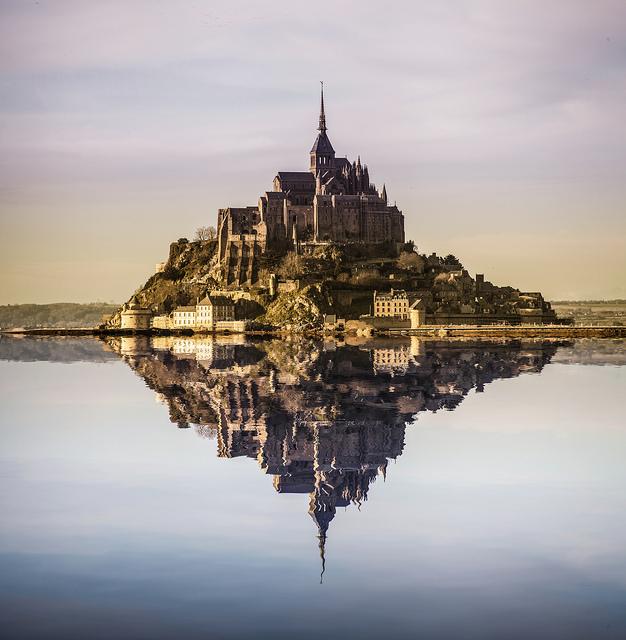 Le Mont Saint-Michel eiland grande maree
