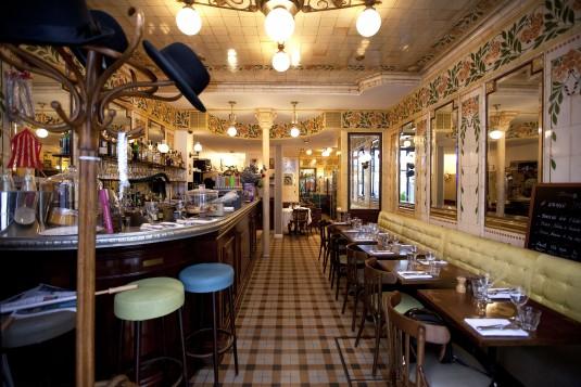 15 leuke authentieke bistro 39 s in parijs for Restaurant le miroir montmartre