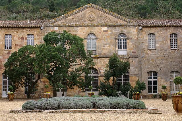 abbaye de fontfride narbonne entree