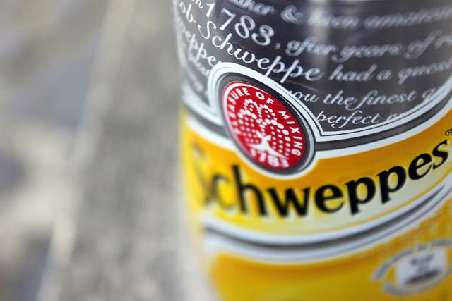Le Cognac-Schweppes, Variante des englischen Gin Tonics