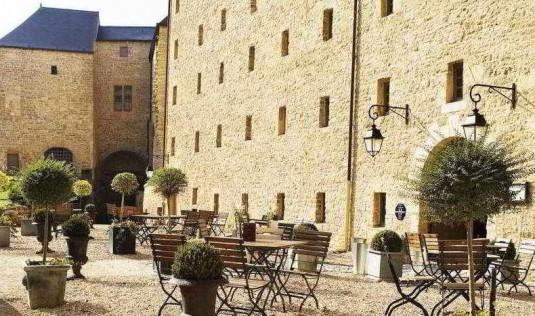 burcht van Sedan hotellerie du château-fort