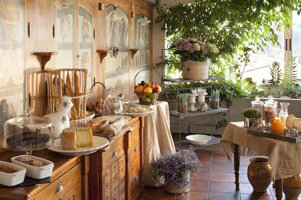 ontbijtzaal-hostellerie berard-cadiere-d-azur