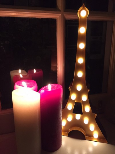 wij denken aan Parijs