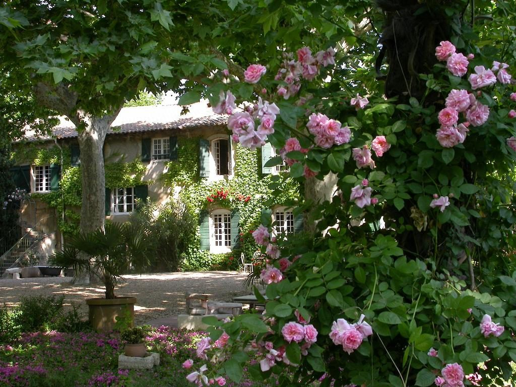 Domaine de Rhodes Avignon B&B Chambres d'hôtes