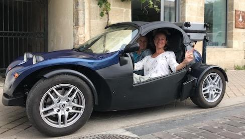 autootje huren voor wijntoer Bordeaux
