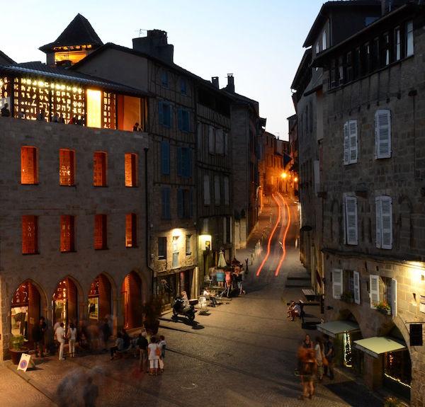 Place Champollion et Musée de nuit