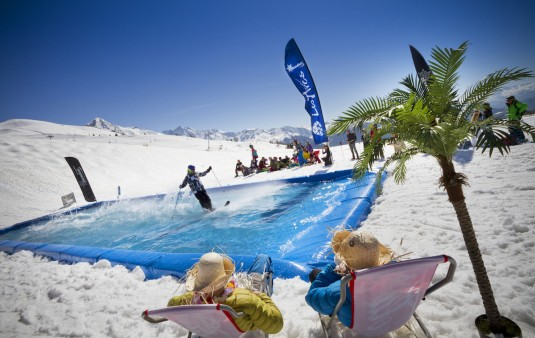 10 redenen om niet te gaan ski n in april for Piscine val thorens