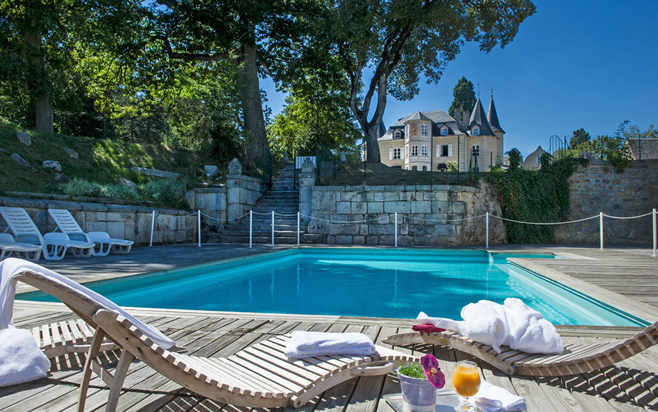 Chateau d Orfeuillette zwembad hotel Lozere