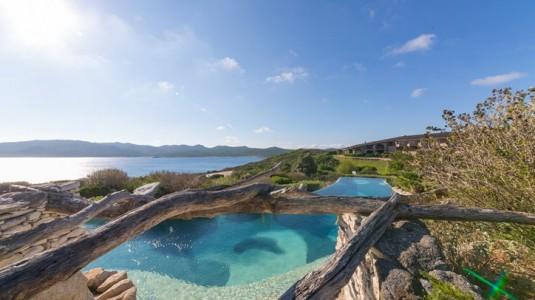 10 gaafste zwembaden - Hotel u Capu Biancu (Corsica)