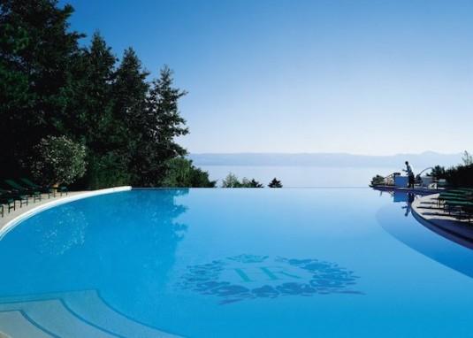 10 gaafste zwembaden royal-evian-piscine