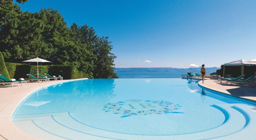 10 spectaculaire franse zwembaden for Hotel pralognan la vanoise piscine