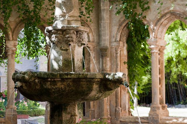 abbaye-de-valmagne-languedoc-roussillon-cc-DuRhumDesFemmes