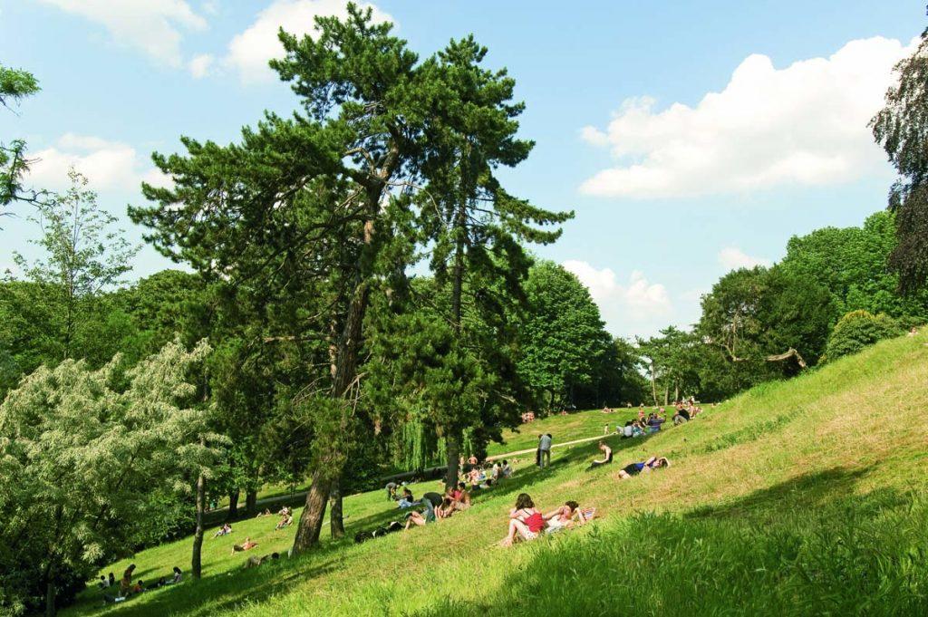 picknick plekken Parijs park Buttes-Chaumont
