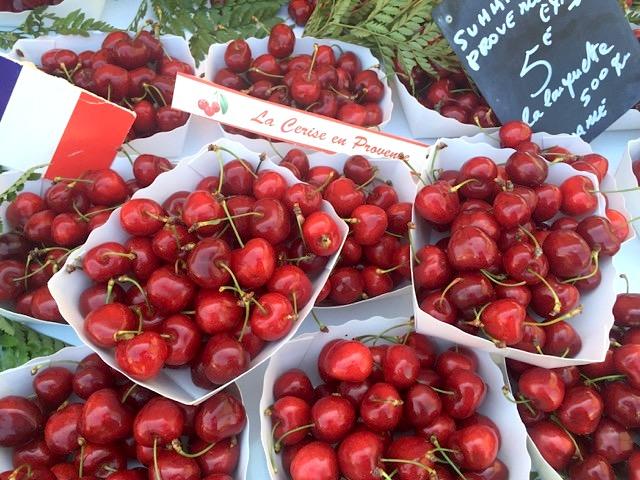 Markt in die Provence: Kirschen