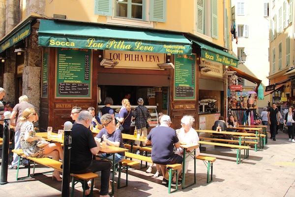 Socca restaurant Lou Pilha Leva in Nice