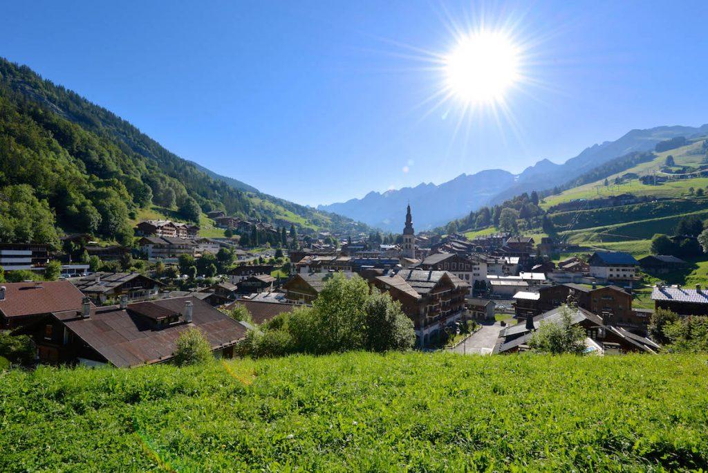 La Clusaz Lake Annecy zomer Franse Alpen bergen bergwandelen