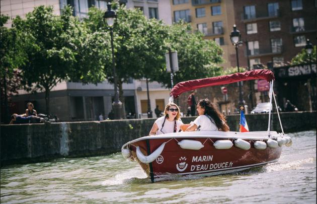 Marin d'eau Douce Bootje varen in Parijs