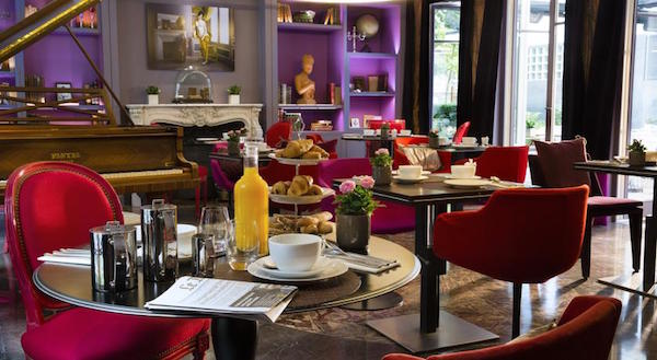 Boudoir sfeer en high tea in hotel La Belle Juliette Paris