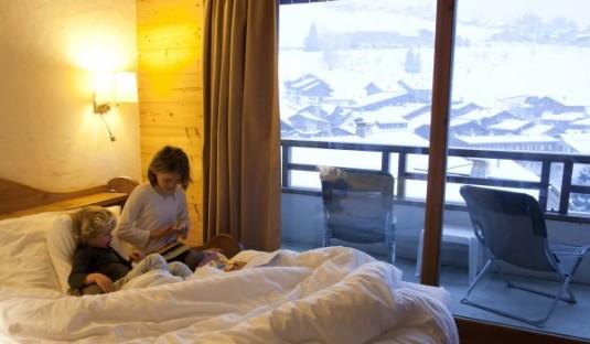 les-grandes-alpes-view-bedroom-535x312
