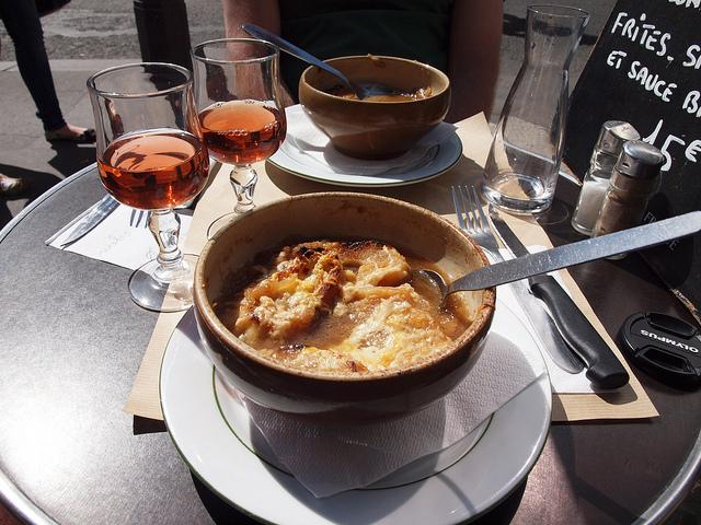 lekkerste eten in Parijs uiensoep