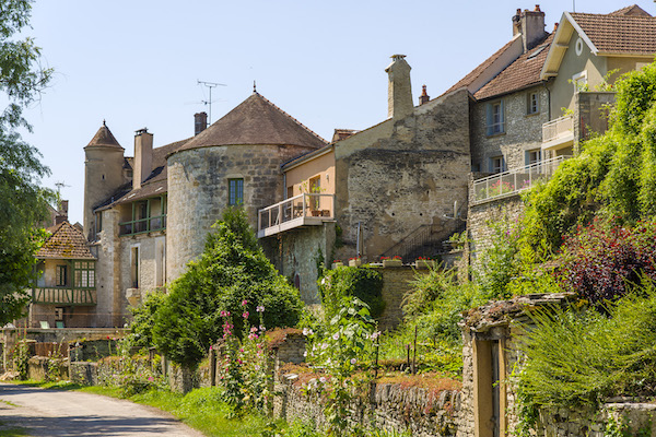 Dorp Noyers sur Serein in de Bourgogne