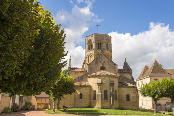 Dorp Noyers sur Semur in de Bourgogn