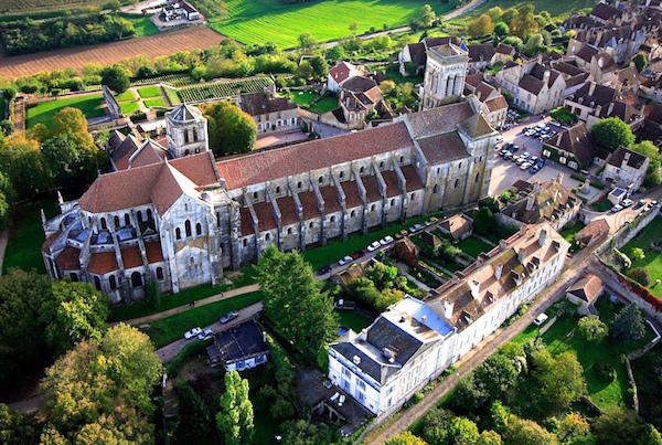 Basiliek Sainte-Madeleine in Vézelay Bourgogne