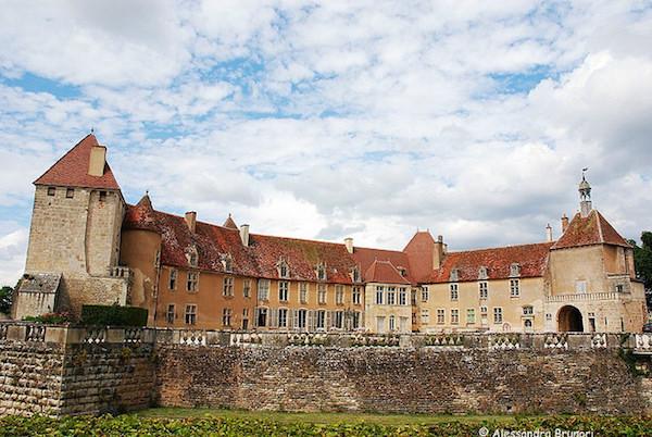 Kasteel van Epoisses in de Bourgogne
