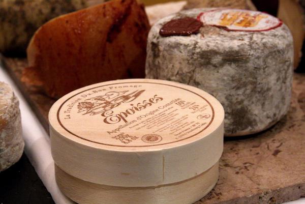 Franse roodschimmelkaas époisses uit de Bourgogne