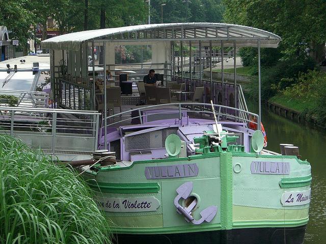 Maison de la Violette in Toulouse: winkeltje met viooltje-producten